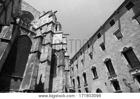 Barcelona (Catalunya Spain): the medieval cathedral in gothic style. Apse. Black and white