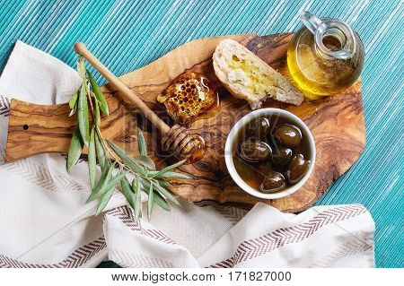 Green Olives With Honey
