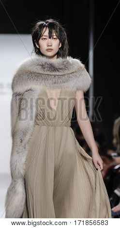 New York Fashion Week Fw 2017 - Dennis Basso Collection