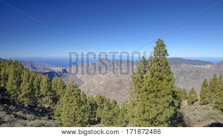 central Gran Canaria in February view west from hiking path around Roque Nublo Teide on Tenerife visible