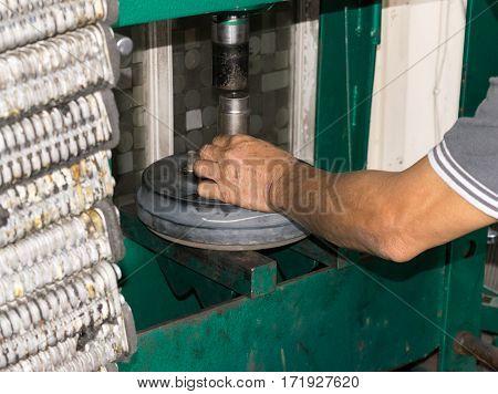 Auto mechanic Car, Removing wheels Equipment mechanic