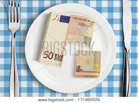 Cut money on plate financial share concept