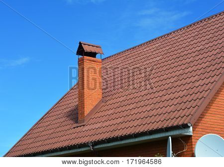 Metal House Roofing. A metal roof is a roofing system made from metal pieces or tiles.