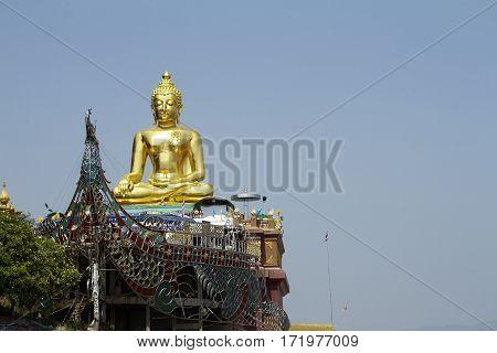 golden triangle Chiang Rai Buddha river Mekong
