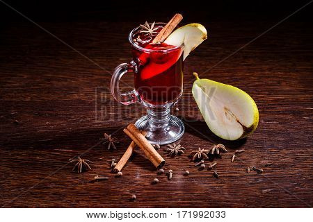 Pear Mulled Cider With Vanilla
