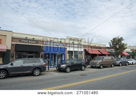 Wellesley, Ma, Usa - Oct. 20, 2016: Wellesley Town Center Historic Commercial Buildings On Central S