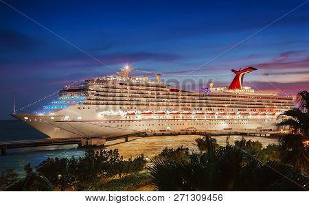 Willemstad, Curacao - April 04, 2018:  Cruise Ship Carnival Conquest Docked At Port Willemstad In Th