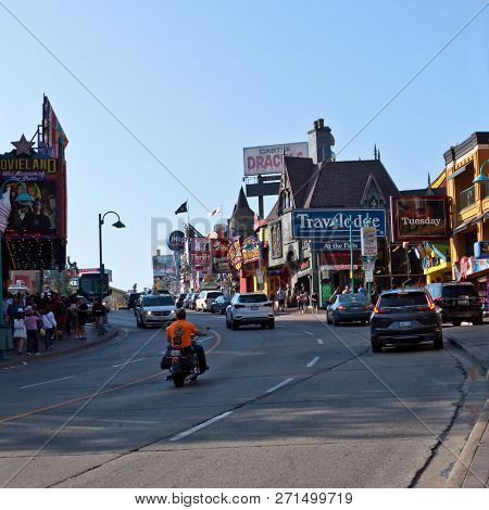 Niagara Falls, Ontario, September 24, 2017 - Squared View Of Main Street, Full Of Tourists On A Sunn