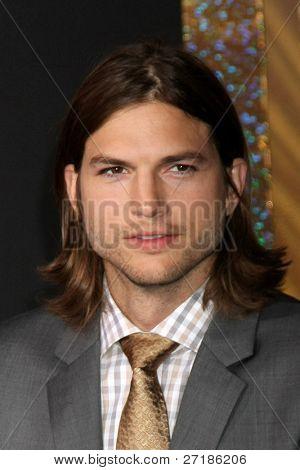 LOS ANGELES - DEC 5:  Ashton Kutcher arrives at the
