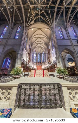San Francisco, California - December 1, 2018: Interior Of Grace Cathedral Nave. The Nave Is The Main
