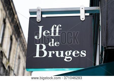Bordeaux , Aquitaine / France - 06 01 2020 : Jeff De Bruges Logo Sign Of Shop Chocolaterie French St