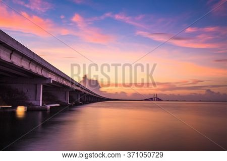 Sunshine Skyway Bridge spanning the Lower Tampa Bay and connecting Terra Ceia to St. Petersburg, Florida, USA.