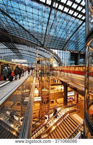 Berlin, Germany - 11 19 2008: The Multi-level Maze Of The Berlin Hauptbahnhof (berlin Central Statio