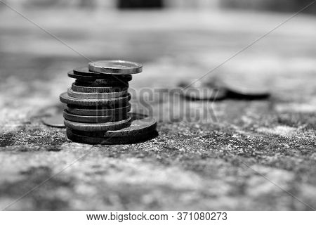 Close Up Of Coins To Stack Of Coins, Business Growth Concept, There Is Money Coins To Stack Of Coins