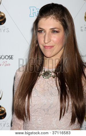 LOS ANGELES - SEP 21:  Mayim Bialik arrives at the Primetime Emmys Performers Nominee Reception at Spectra by Wolfgang Puck on September 21, 2012 in Los Angeles, CA