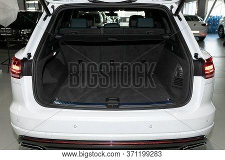 Novosibirsk/ Russia - March 15, 2020: Volkswagen Touareg, Close-up Of The Open Trunk, Headlight, Bum