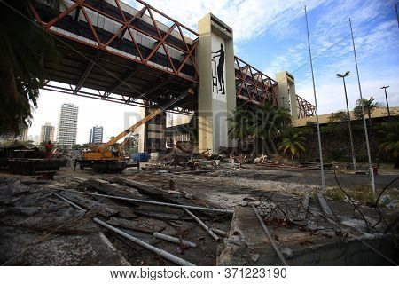 Salvador, Bahia / Brazil - March, 12, 2018: Workers Are Working To Demolish The Ruins Of The Convent