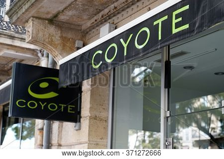 Bordeaux , Aquitaine / France - 11 07 2019 : Coyote Sign Logo Shop Drive Safely Gps Navigator Car Wi