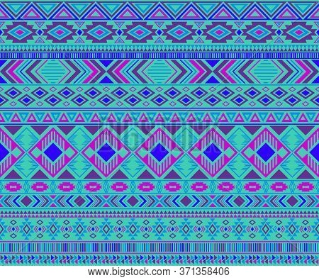 Peruvian American Indian Pattern Tribal Ethnic Motifs Geometric Seamless Background. Rich Native Ame