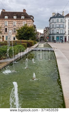 Troyes, France - August 31, 2018: Fountain In Place De La Liberation, Troyes, Aube Champagne-ardenne