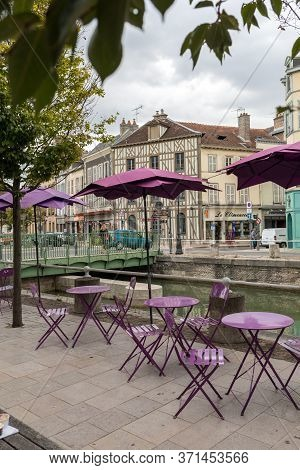 Troyes, France - August 31, 2018: Cafe In Medieval Troyes Old Town,  Aube, Champagne-ardenne, France