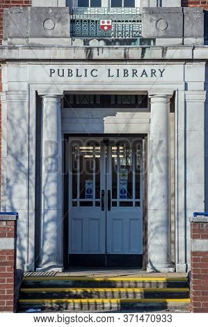 Southampton, Uk - February 11, 2012:  Entrance To A Public Library In The City Of Southampton, Hamps