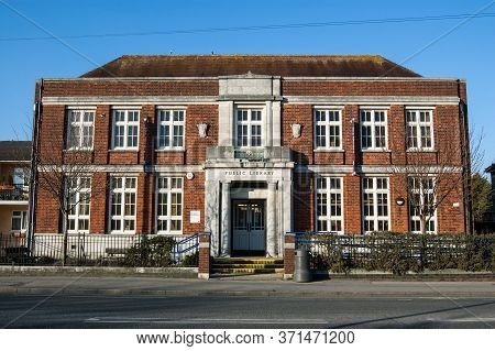 Southampton, Uk - February 11, 2012:  Exterior Of The Public Library Built In The 1930s On Burgess R