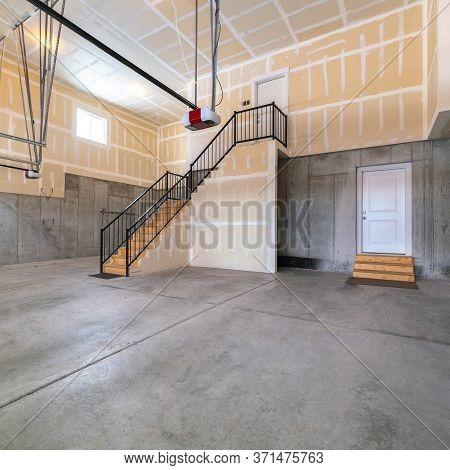 Square Large Open Plan Concrete Basement Interior Garage
