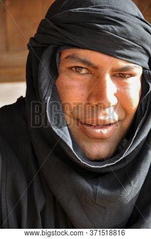 Chott El Jerid, Sahara Desert, Tunisia - February 04, 2009: Berber Man Living In The Desert In His T
