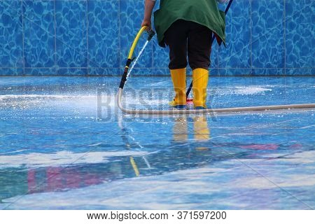 Washing And Maintenance Of The Pool Bowl. Preparation For The Tourist Season. Background