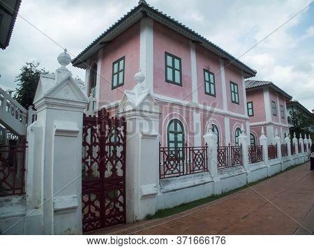 Wat Niwet Thammaprawat Bang Pa-in  Ayutthaya Thailand-22 October 2018; Summer Palace In Ayutthaya Th