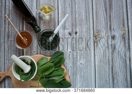 Natural Home Skin Care. Ingredients Of A Face Mask. Plantain Puree (plantago Major), Honey, Olive Oi