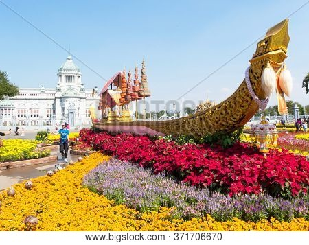 The Grounds Of The Dusit Palace Bangkok Thailand-31 December 2018:love And Warmth At Winter's End Fe