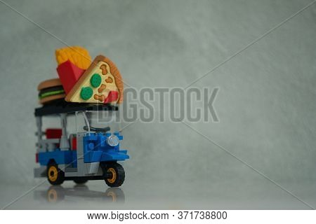 Miniature Fast Food On Tuk Tuk For Online Delivery Service For All Business Fast Food In Thailand. C