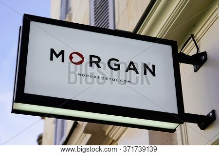 Bordeaux , Aquitaine / France - 12 04 2019 : Morgan Shop Retail Logo Girls Clothing Fashion Storefro