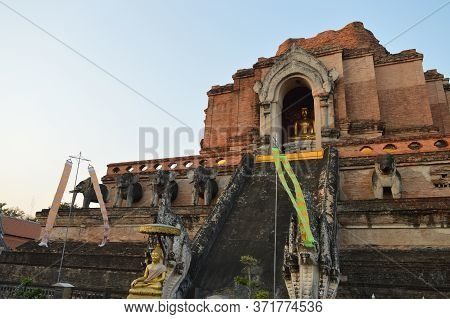 Chiang Mai Thailand-10 January 2020:wat Chedi Luang Temple,built During The Reign Of Phaya Saen Muea