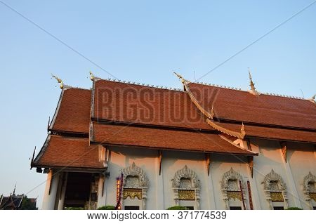 Wat Chedi Luang Temple,built During The Reign Of Phaya Saen Mueang King Rama Vii Of The Mangrai Dyna