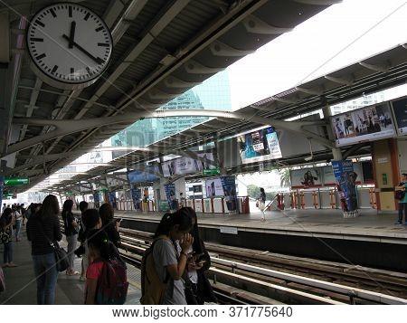 Bts Ari Station Bangkok, Thailand - April 02, 2018 :.passengers Go To Work At Ari  Sky Train Station