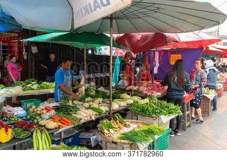 Municipal Market 1 Chiang Rai Thailand -13 March 2020:town Market Chiang Rai Is A Tourist City In No