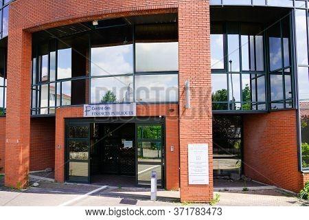 Bordeaux , Aquitaine / France - 05 14 2020 : Impot Centre Des Finances Publiques Logo Sign Building