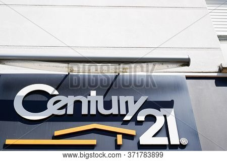 Bordeaux , Aquitaine / France - 05 04 2020 : Century 21 Sign Logo Office Real Estate Store Broker Br