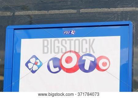 Bordeaux , Aquitaine / France - 11 13 2019 : Fdj La Francaise Des Jeux Loto Advertising Sign On Buil