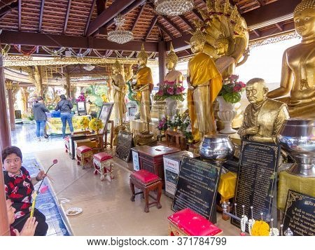 Wat Phra Si Mahathat Woramahawihan Bangkok,thailand-08 August 2018: A Place Of Construction Founded