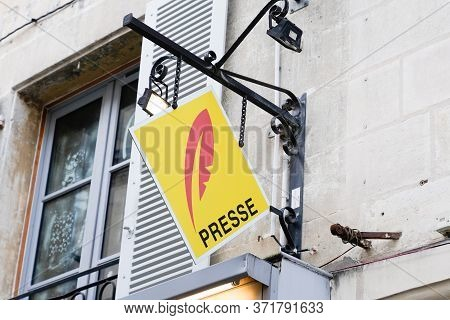 Presse French Sign Yellow Logo Newspaper Store Seller Press Facade Shop Red Symbol