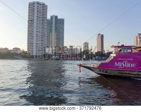 Chao Phraya River Bangkok Thailand-17 December 2018:landscape Of Bangkok And Ship Is Sailing In The