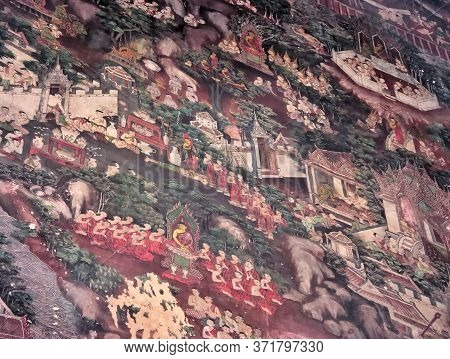 Wat Suthat Thepwararam Bangkok Thailand-17 July 2019:painting Of Murals Over A Hundred Years Old. On