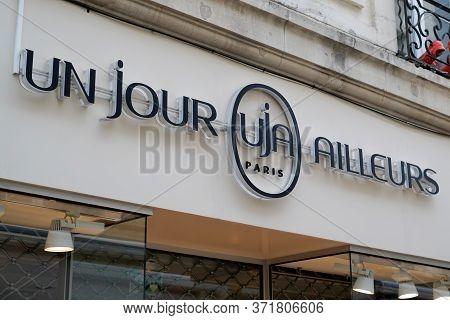 Bordeaux , Aquitaine / France - 02 20 2020 : Un Jour Ailleurs Uja Shop Retail Logo Women Clothing Fa