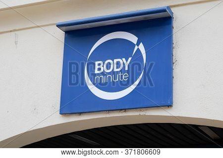 Bordeaux , Aquitaine / France - 03 07 2020 : Body Minute Logo Sign Store Body'minute Shop Beauty Sal