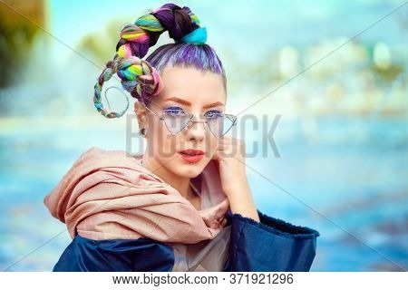 Portrait Of Beautiful Hipster Young Woman With Sunglasses Smiling In City - Teenage Girl With Funky