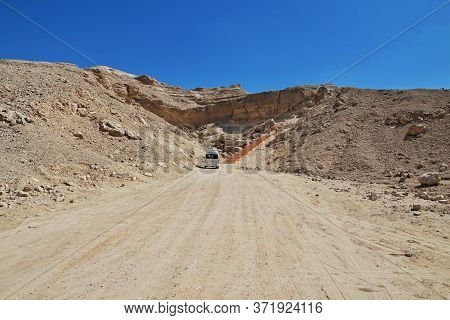 Amarna / Egypt - 03 Mar 2017: Road In Desert Sahara In Amarna, Egypt